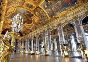 the-hall-of-mirrors-palace-of-versailles-france